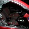 Ponechaná kabelka ve vozidle přilákala zloděje