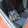 Ponechané kabelky ve vozidle přilákaly zloděje