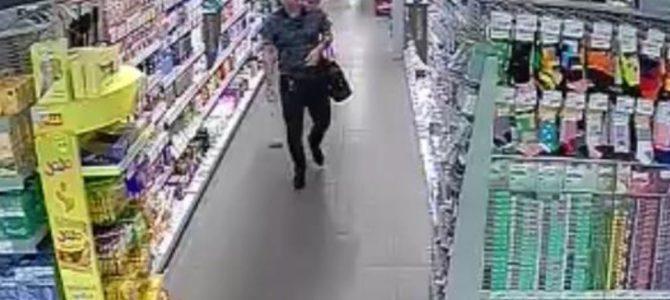 Při krádeži ho zachytily bezpečnostní kamery